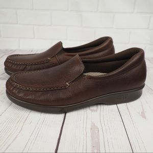 SAS sz 8.5N brown leather comfort loafers
